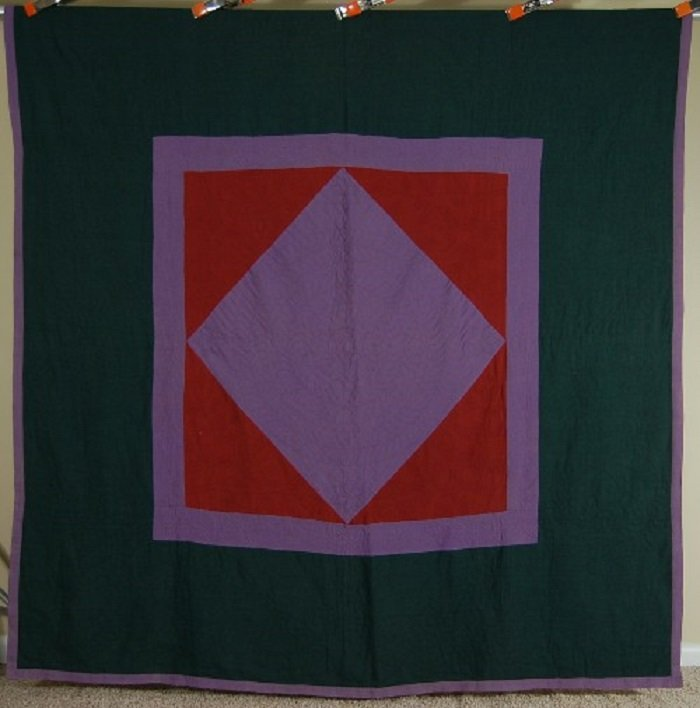 AMISH DIAMOND IN A SQUARE  ANTIQUE QUILT