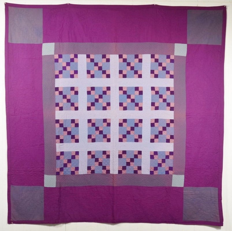 AMISH FOUR IN NINE PATCH ANTIQUE QUILT, Lancaster Co PA