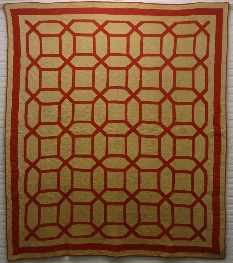GARDEN MAZE ANTIQUE QUILT red and camel