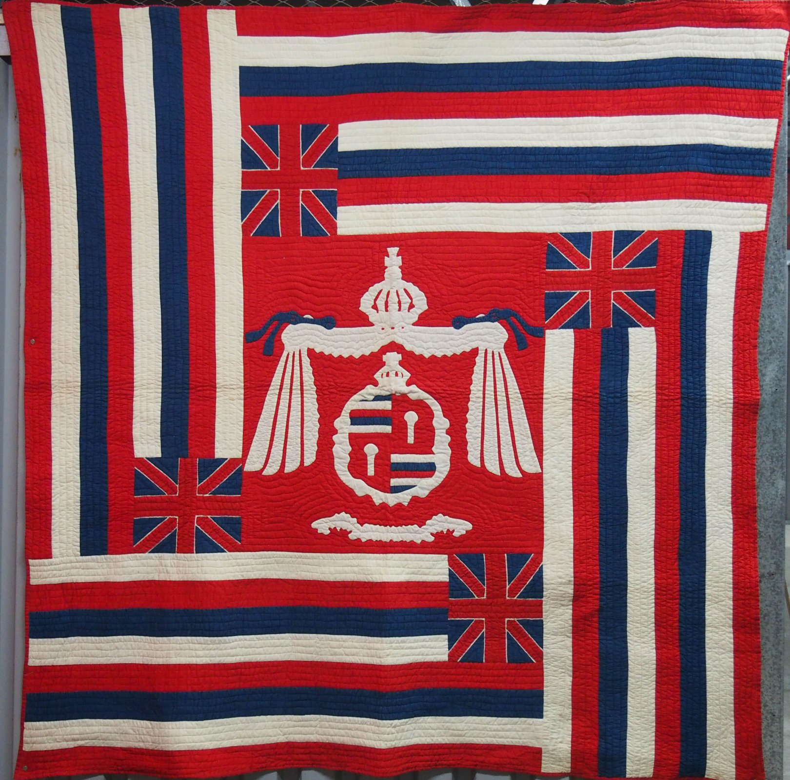 HAWAIIAN MONARCHY FLAGS  ANTIQUE QUILT