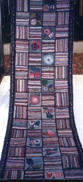 FLOWERHEAD SQUARES alternating with STRIPED SQUARES ANTIQUE HOOKED RUNNER