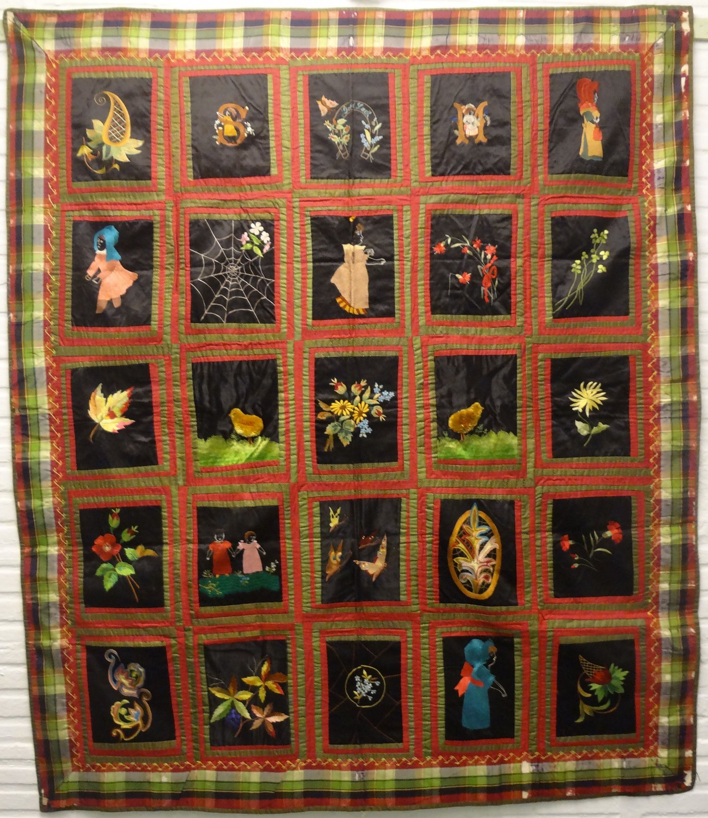 KATE GREENAWAY BLACK FIGURES ANTIQUE SILK QUILT