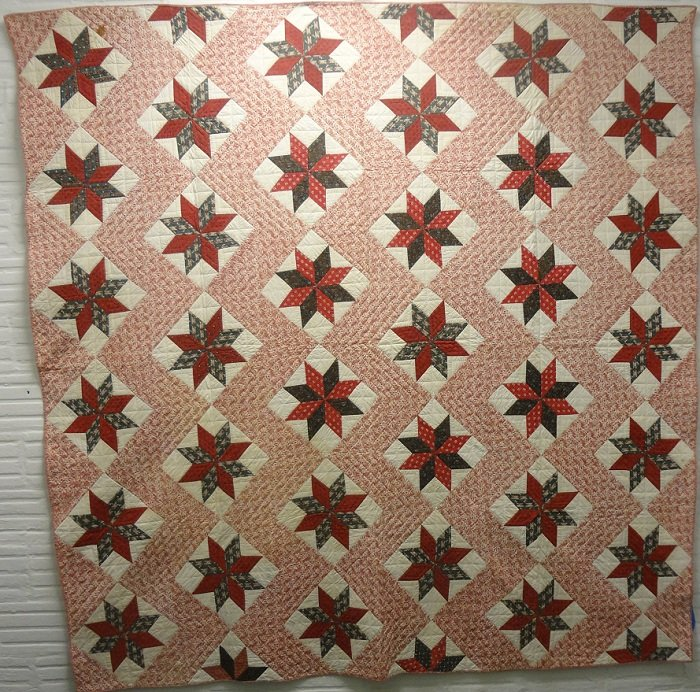 LEMOYNE STARS IN ZIGZAG SASHING TOILE ANTIQUE PIECED QUILT