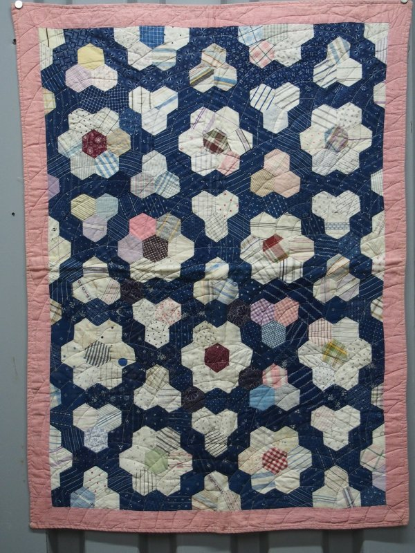 MOSAIC or HONEYCOMB PIECED CRIB/CRADLE QUILT