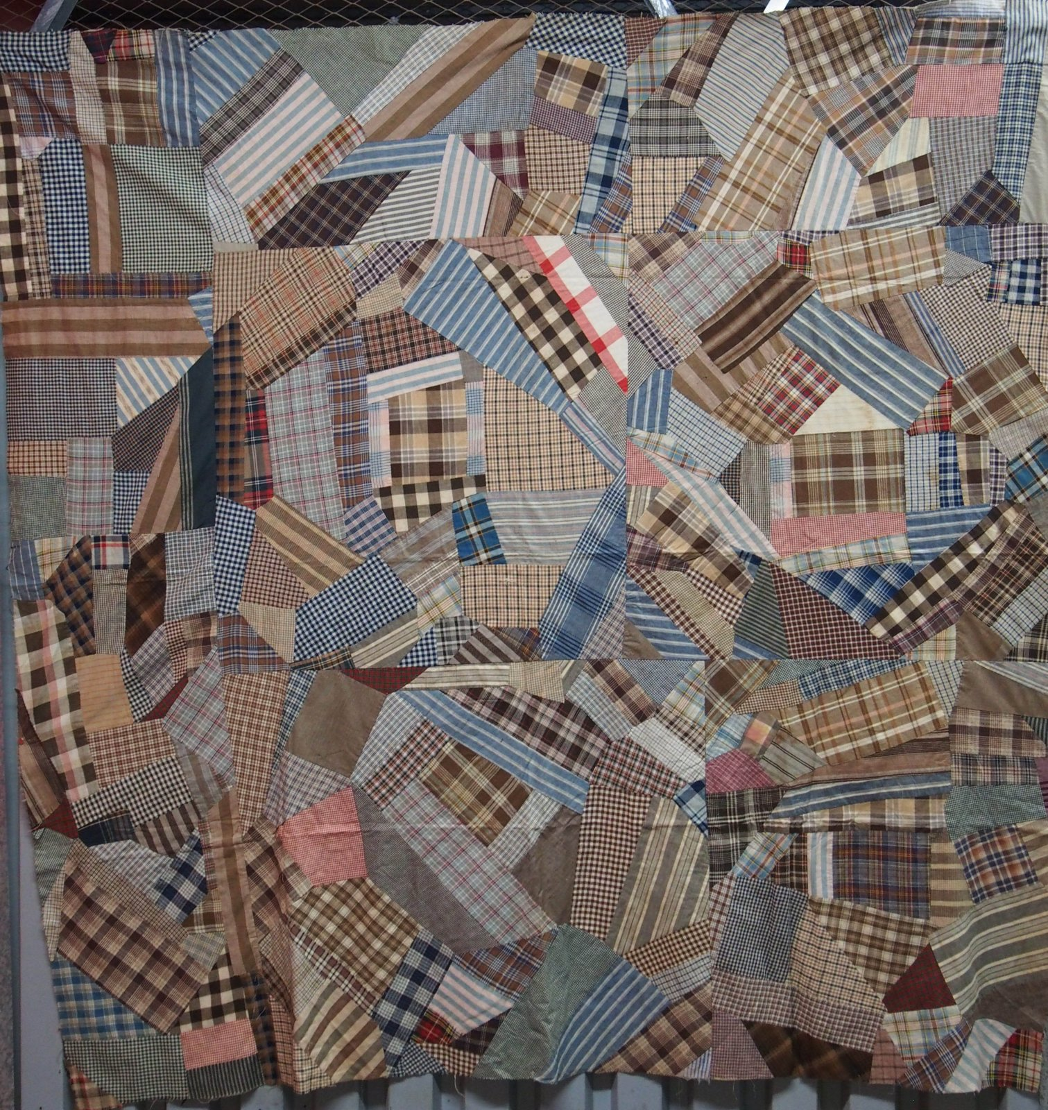 PLAID HOMESPUN CHECK ORGANIZED CRAZY ANTIQUE QUILT TOP