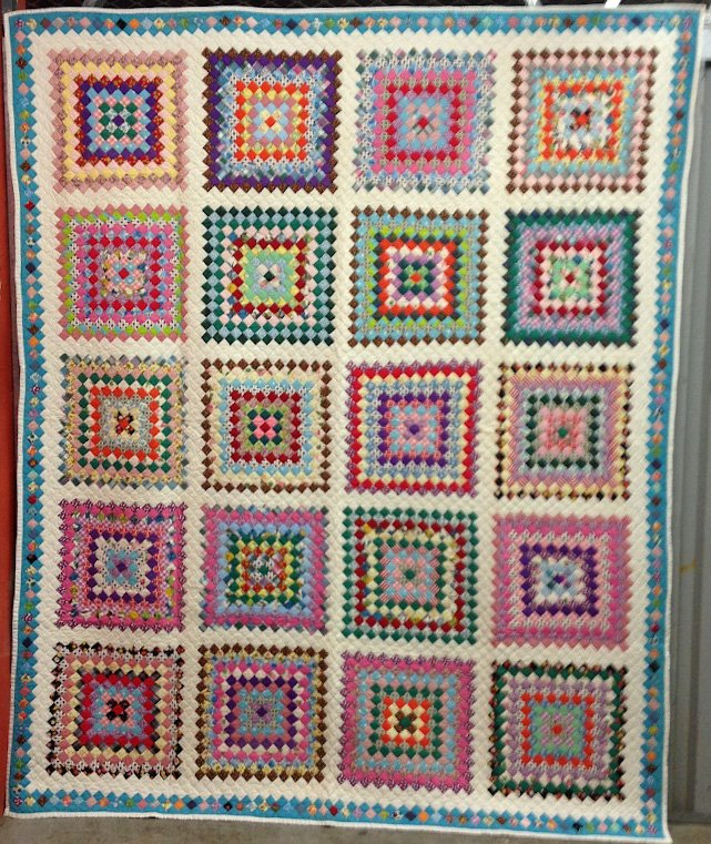 POSTAGE STAMP BOSTON COMMONS  20 BLOCKS ANTIQUE QUILT