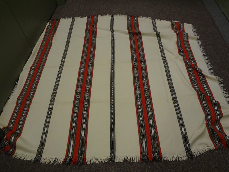 BUGGY SHAWL white ground with fine stripes