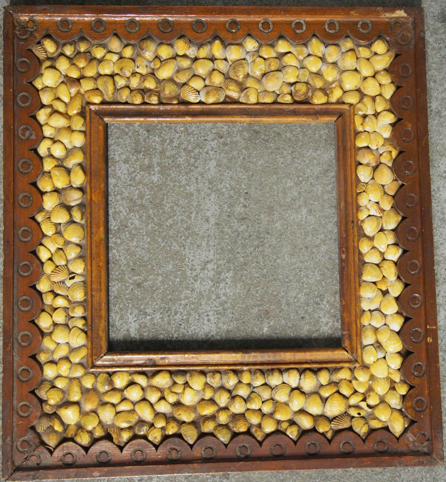 PEBBLES TRAMP ART FRAME