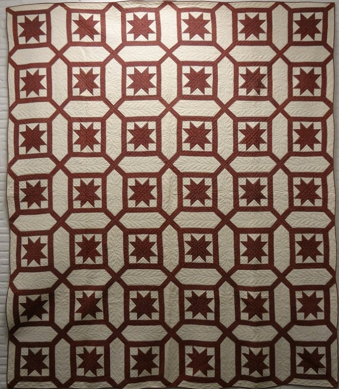 EIGHT POINT STARS IN A GARDEN MAZE ANTIQUE QUILT rust and white