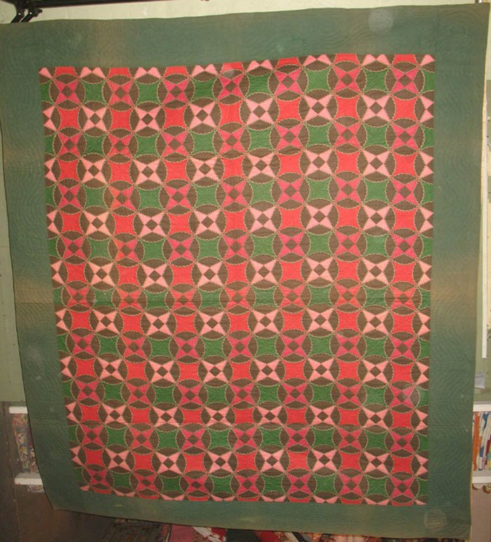 SIMULATED PATCHWORK REEL PATTERN ANTIQUE QUILT