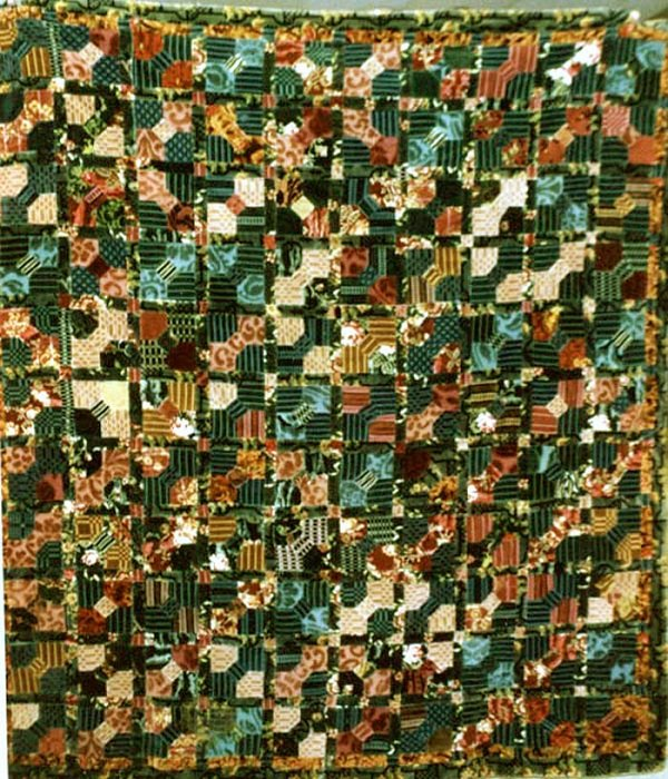 BOWTIES ANTIQUE QUILT, voided and patterned velvets