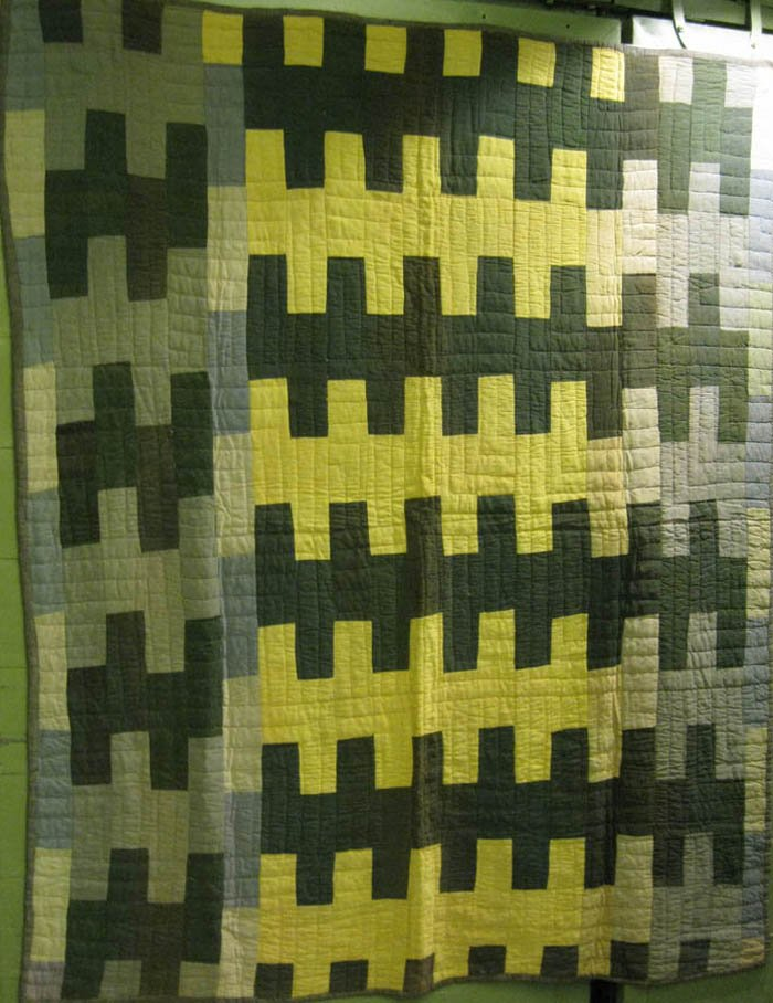 AFRICAN AMERICAN ZIPPER ANTIQUE QUILT