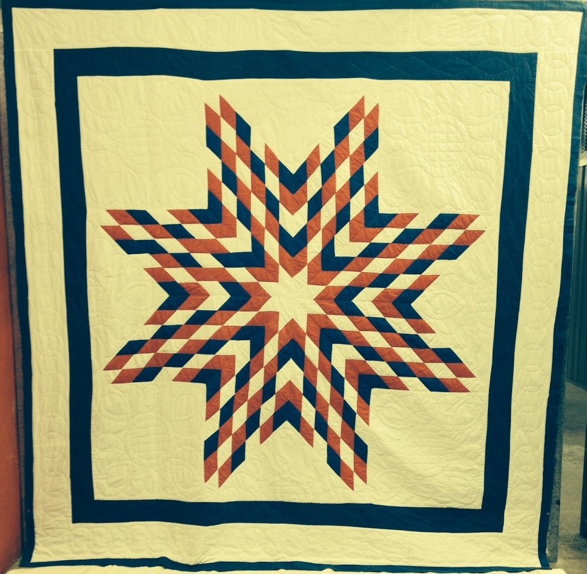EIGHT POINT PATRIOTIC STAR ANTIQUE QUILT