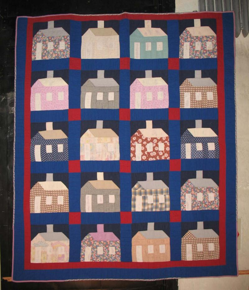 'HOUSES AT NIGHT' VINTAGE QUILT (Published Home Sweet Home)