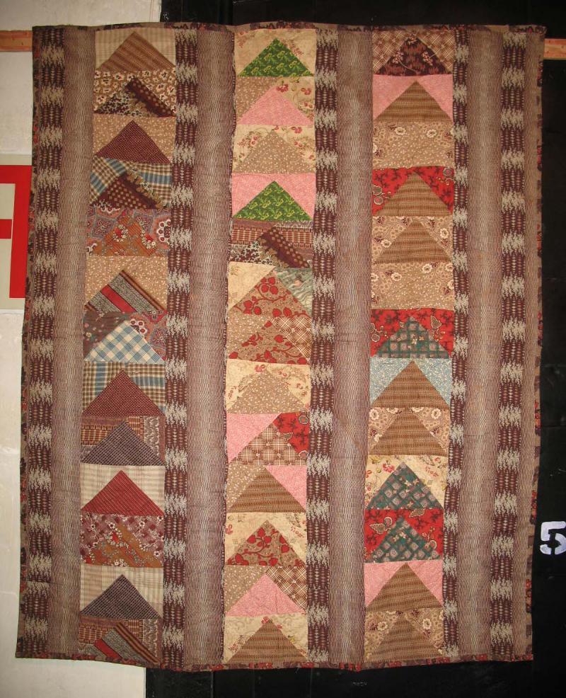 FLYING GEESE BARS ANTIQUE CRIB QUILT 18880s