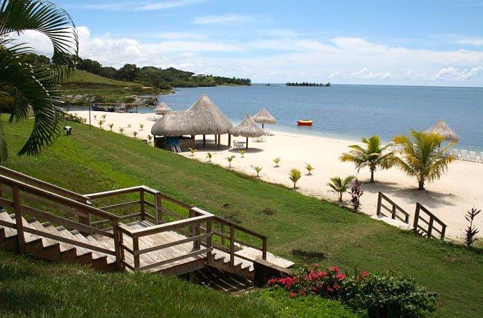 Image of Roatan path to Beach
