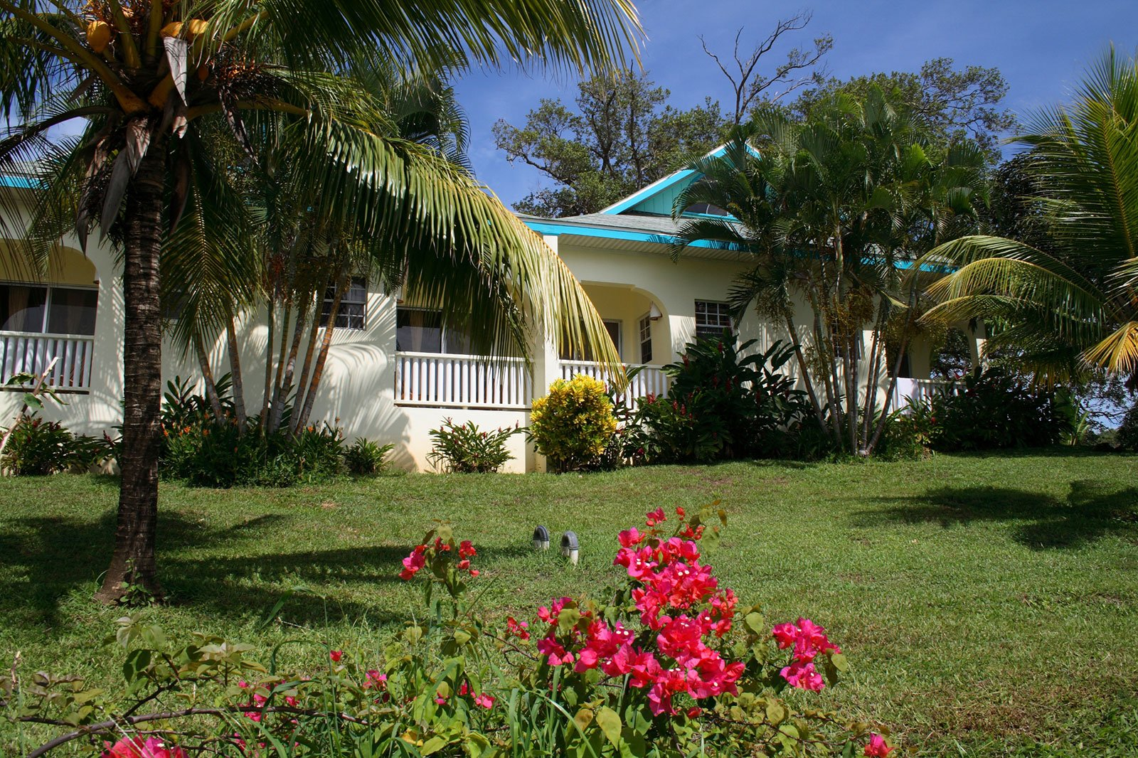 Image of Roatan resort rooms