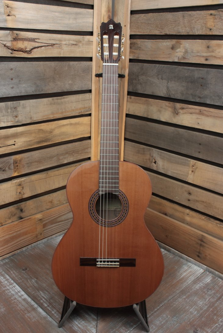 Alhambra 4Z Solid-Top Classical Guitar with Gigbag