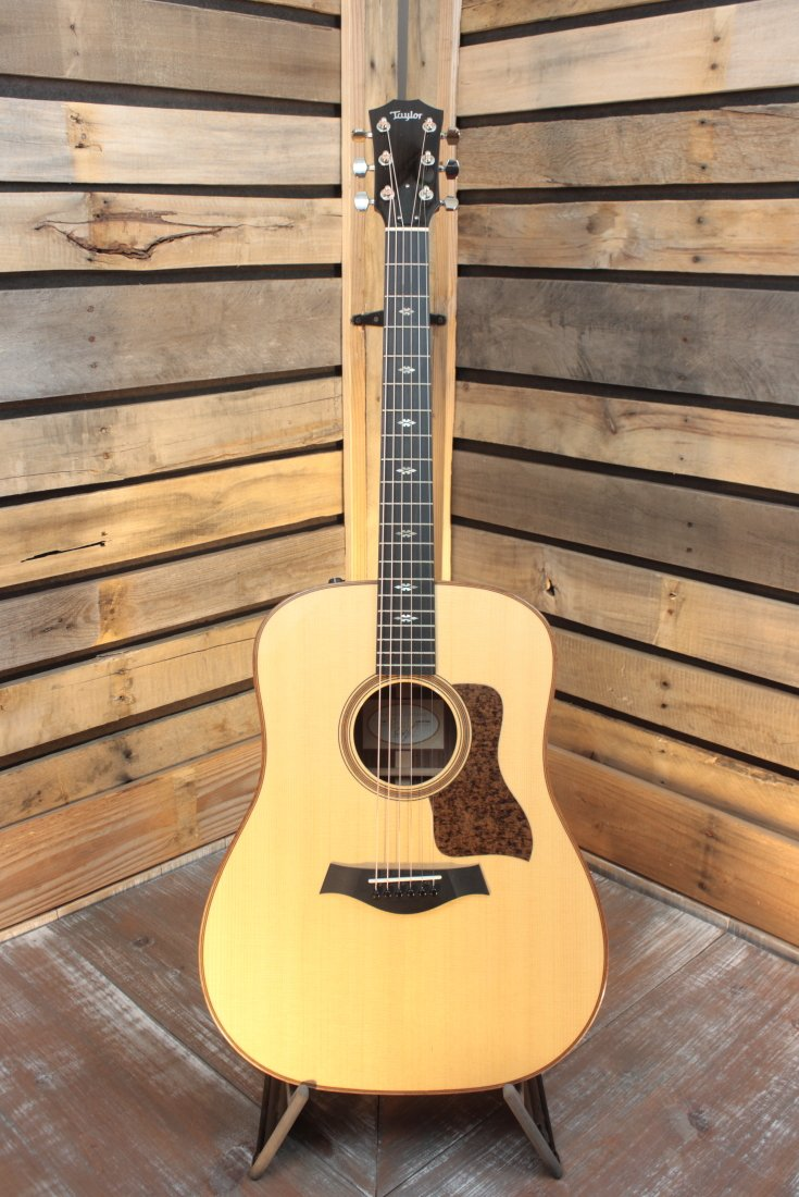 *NOS* 2017 Taylor  710e Acoustic/Electric Guitar with Hardshell Case