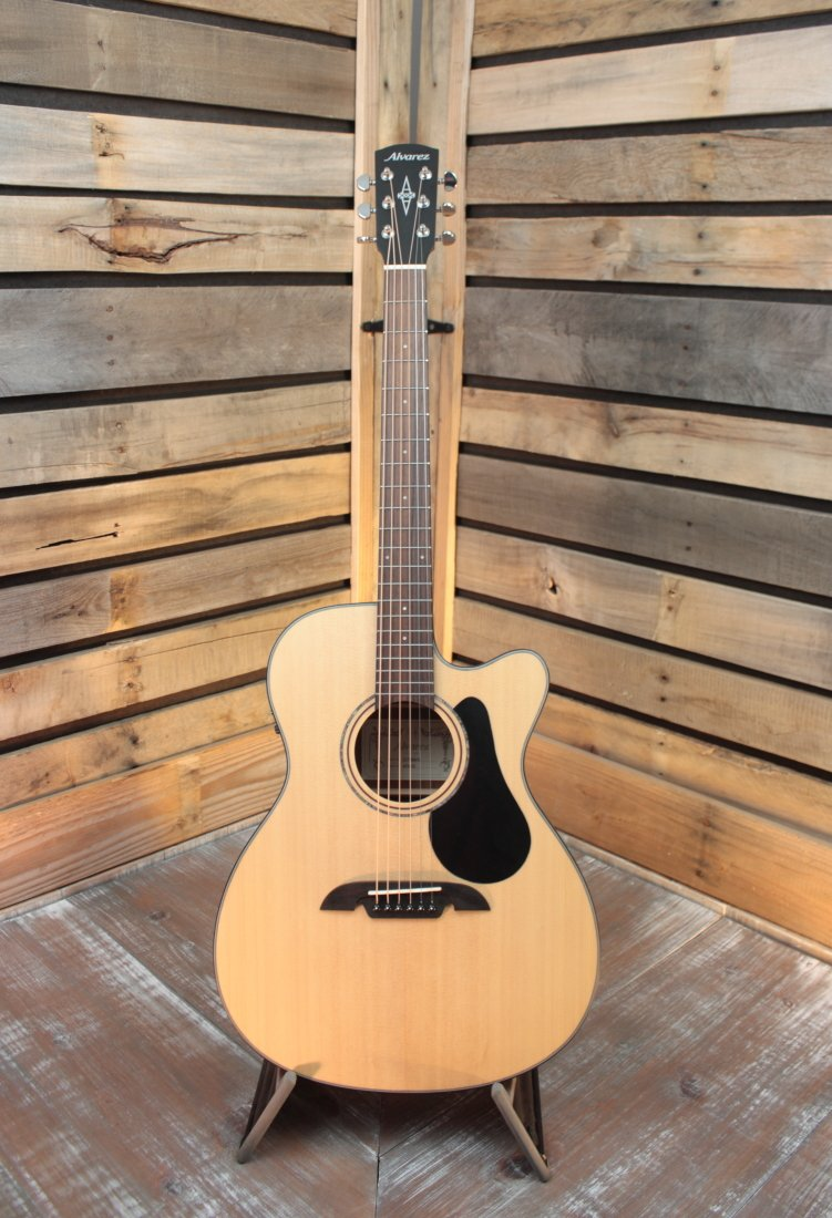 Alvarez AF30CE Artist Series OM/Folk Acoustic/Electric Guitar with Cutaway