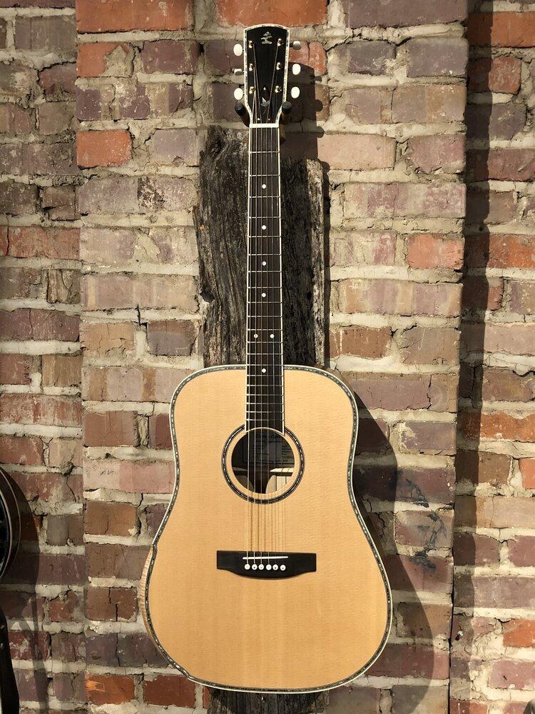 Danny Davis 5D91 Deluxe Dreadnought Guitar with Case