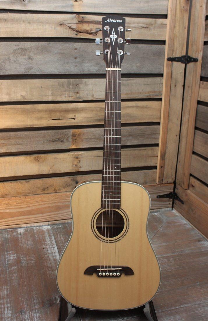 Used (2017) Alvarez RT26 Half-Size Travel Guitar with Gigbag