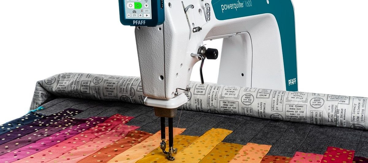 Pfaff Power Quilter 1600 and Table