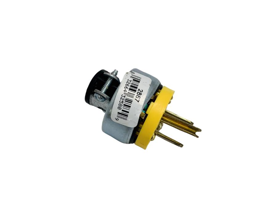 Plug Male 3 Wire W / Cord Clamp