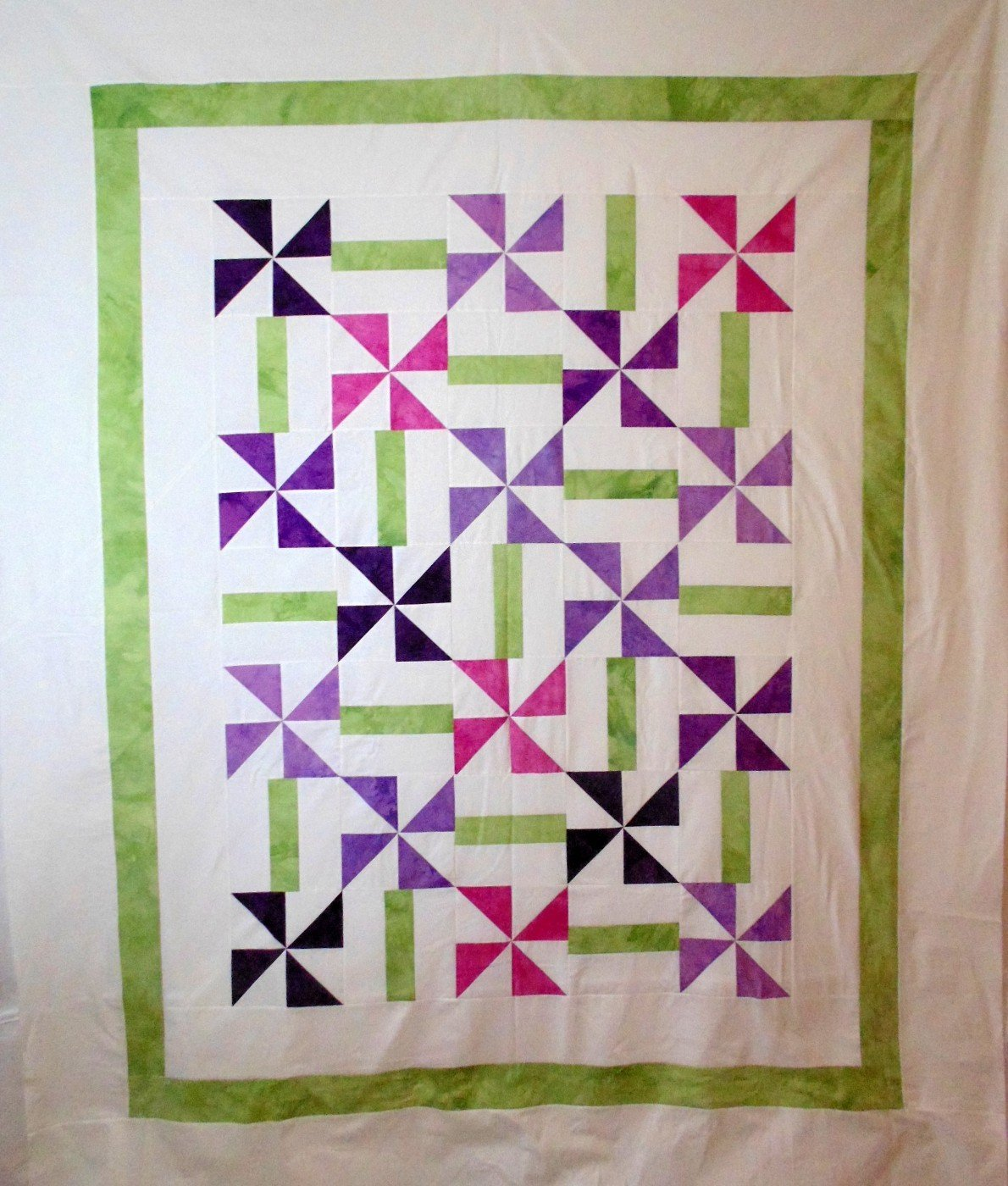 Twirling Flowers Twin Size Quilt Kit