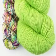 Lazy Days Shawl Kit (Green)