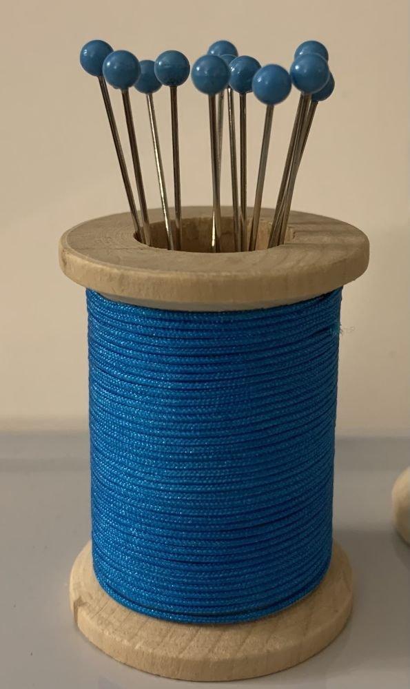 Blue Magnetic Spool Pin Holder