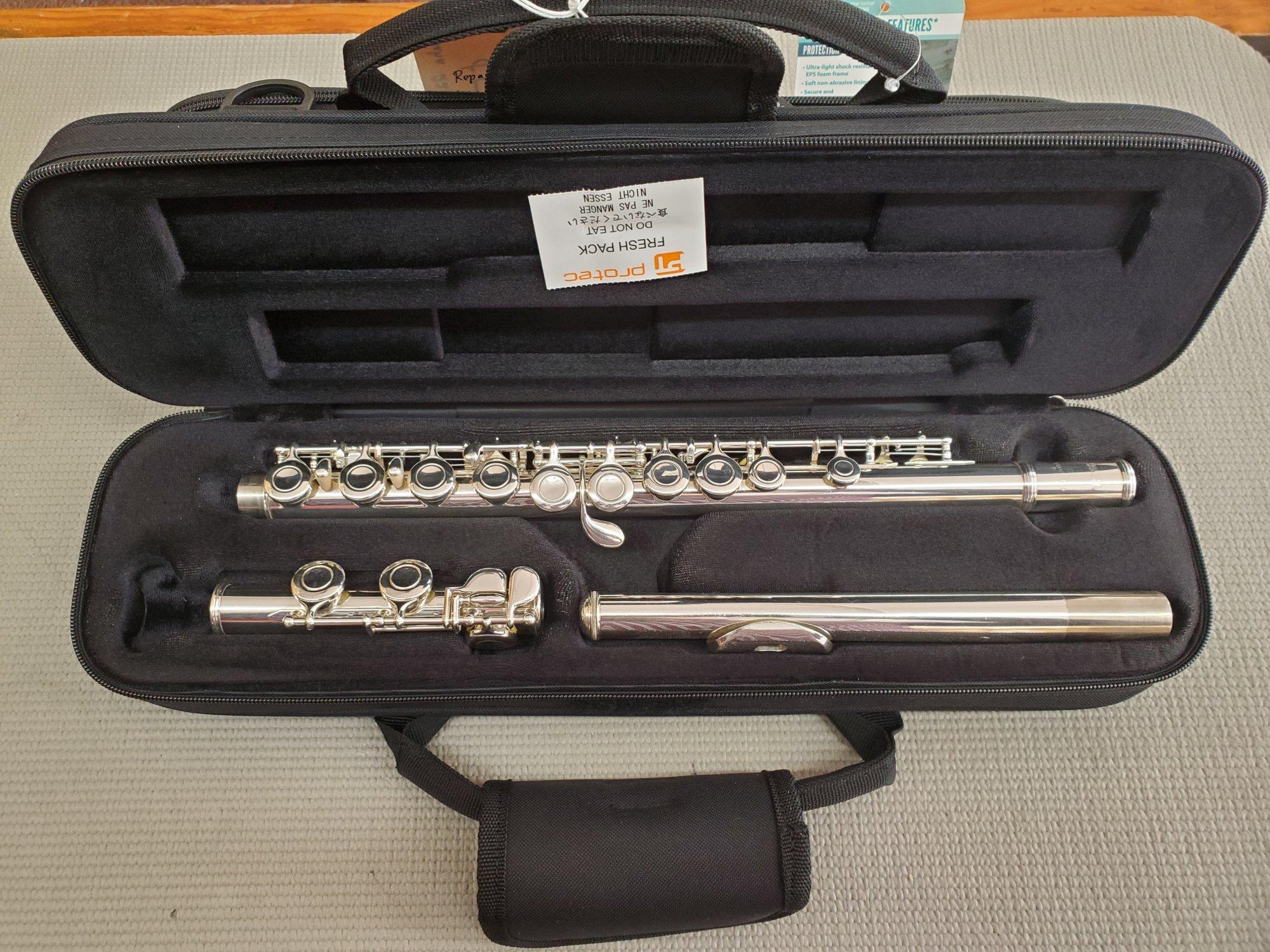 Used Yamaha 221 Closed Hole Flute
