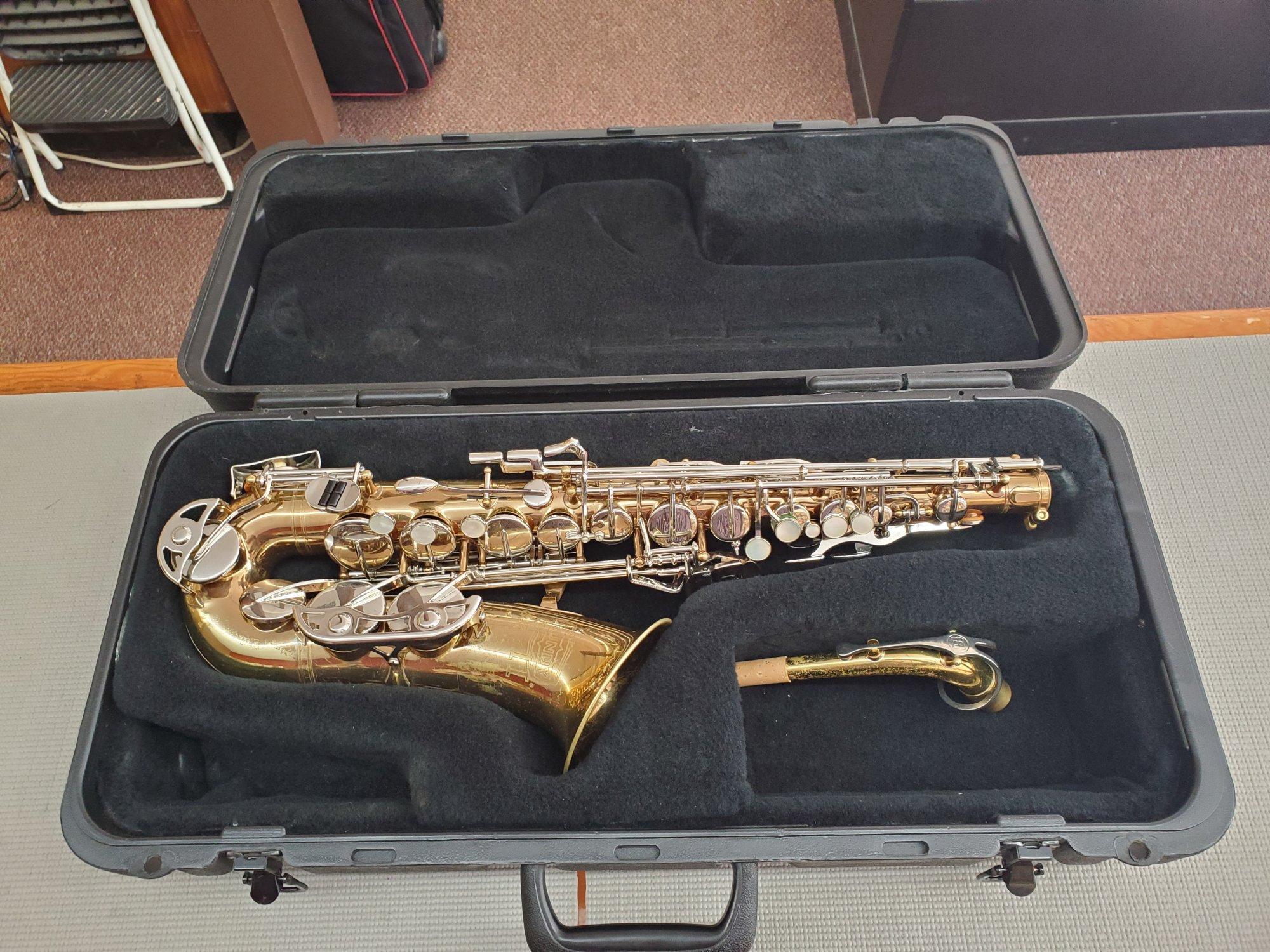Selmer Bundy II Alto Saxophone
