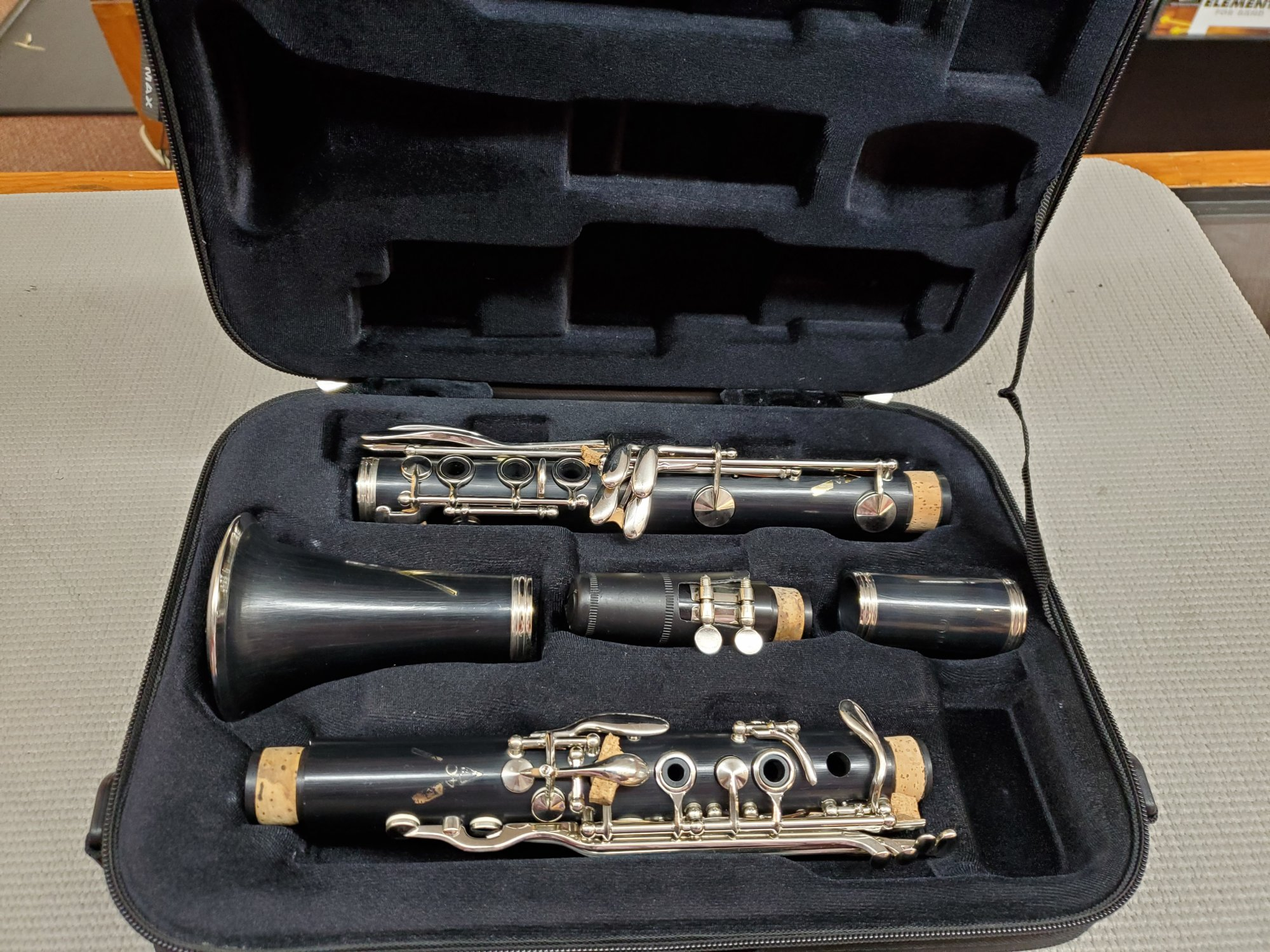 Used Vito Plastic Bb Clarinet
