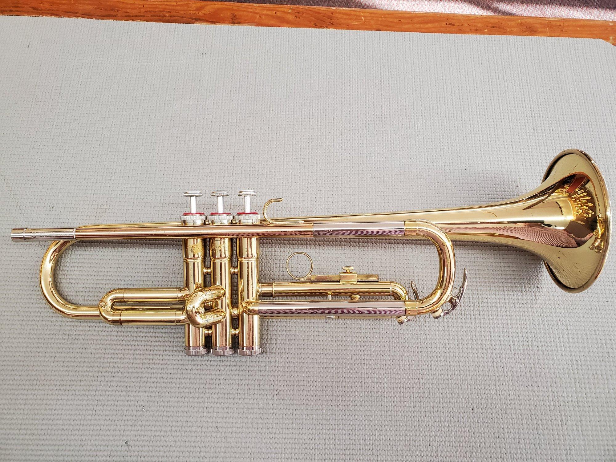 Used Yamaha YTR2320 Bb Trumpet
