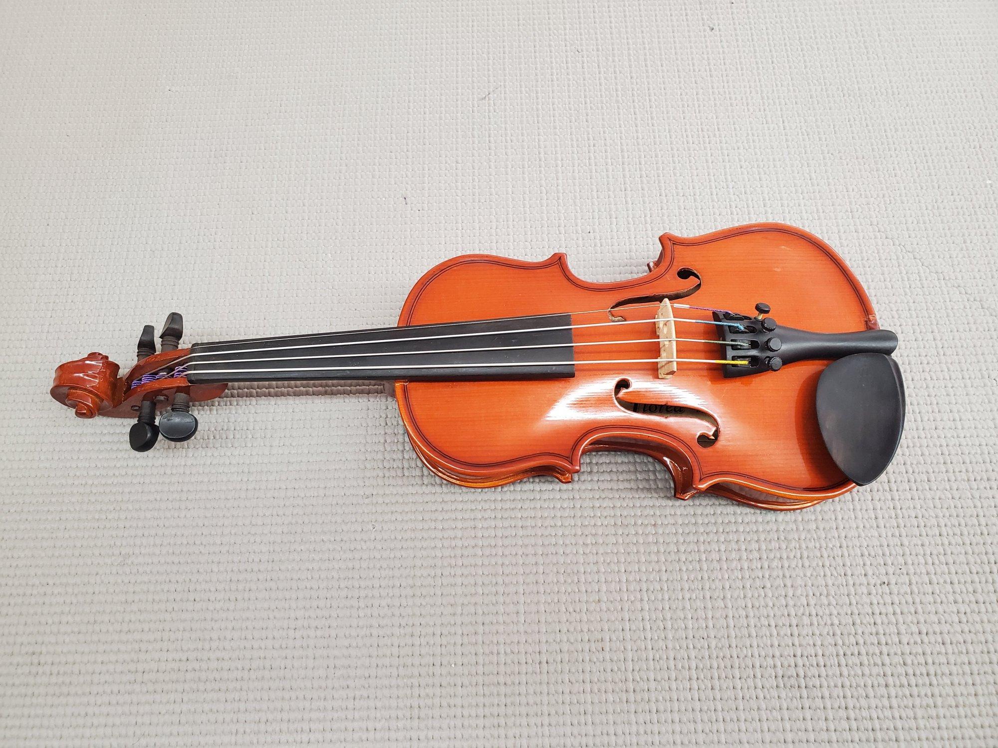 Used Florea Violin 1/16 w/ Dominant Strings