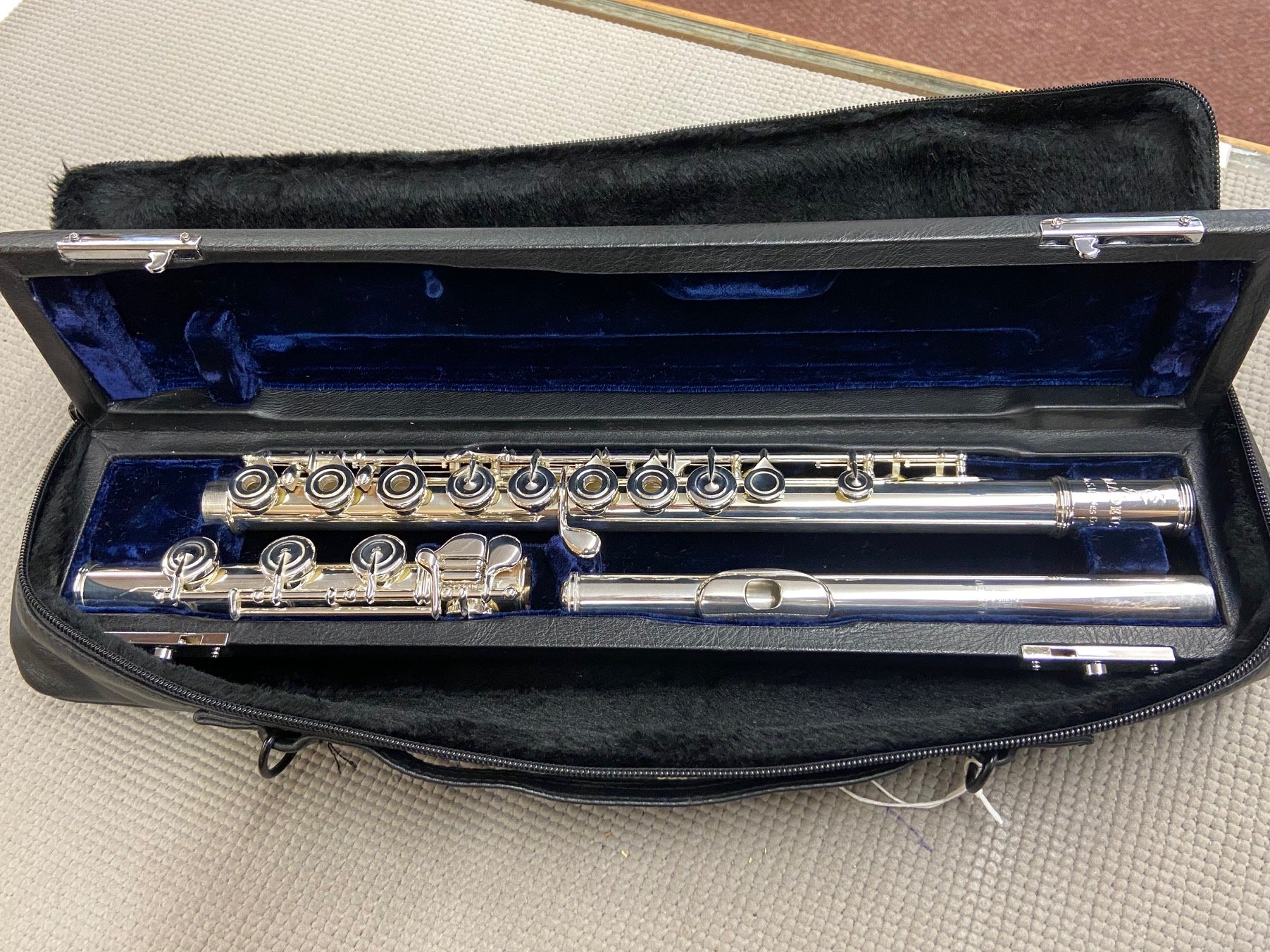 Amadeus by Haynes AF900 Flute (Discontinued New Stock)