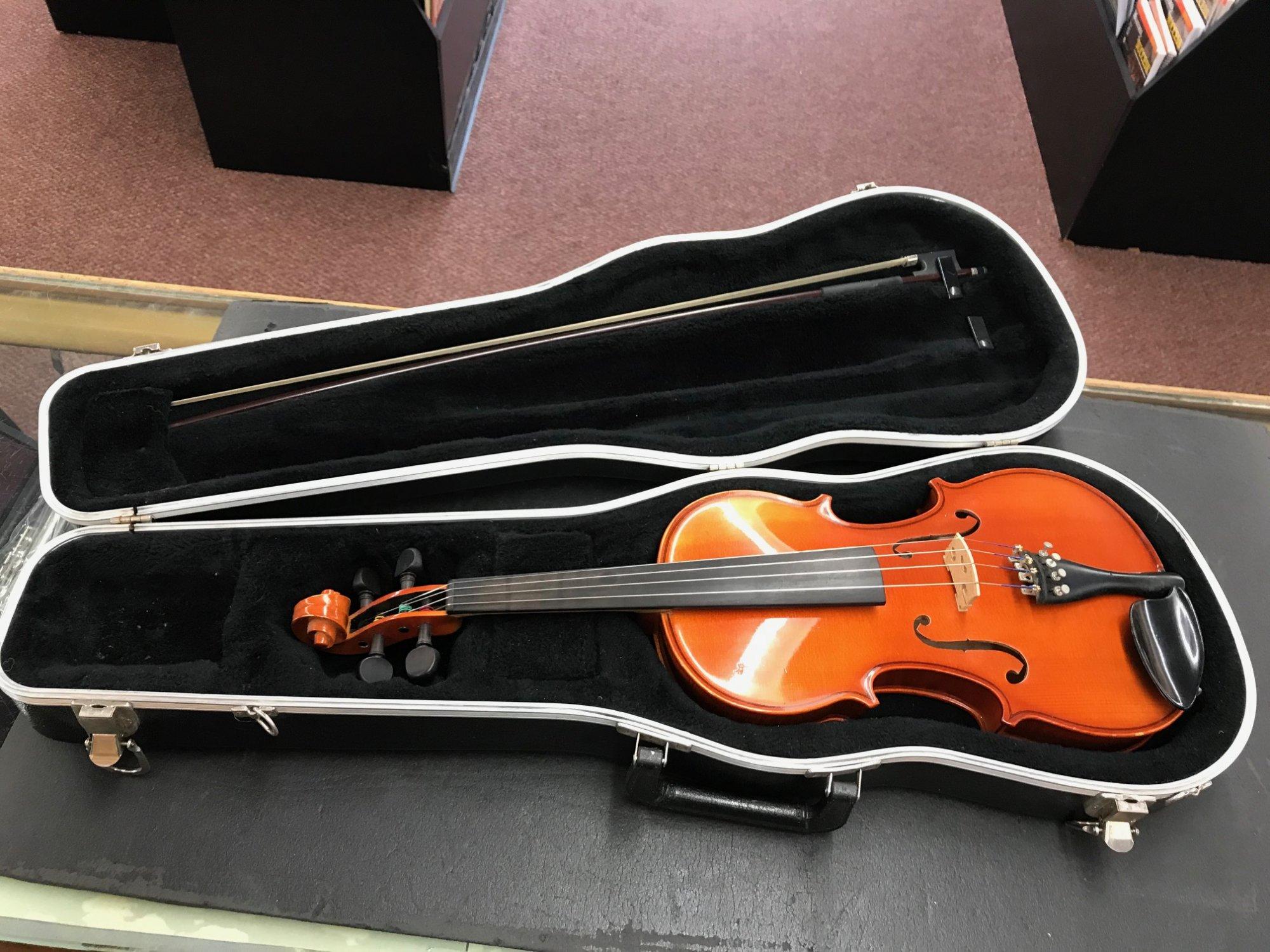 Used Lewis & Son Violin 4/4