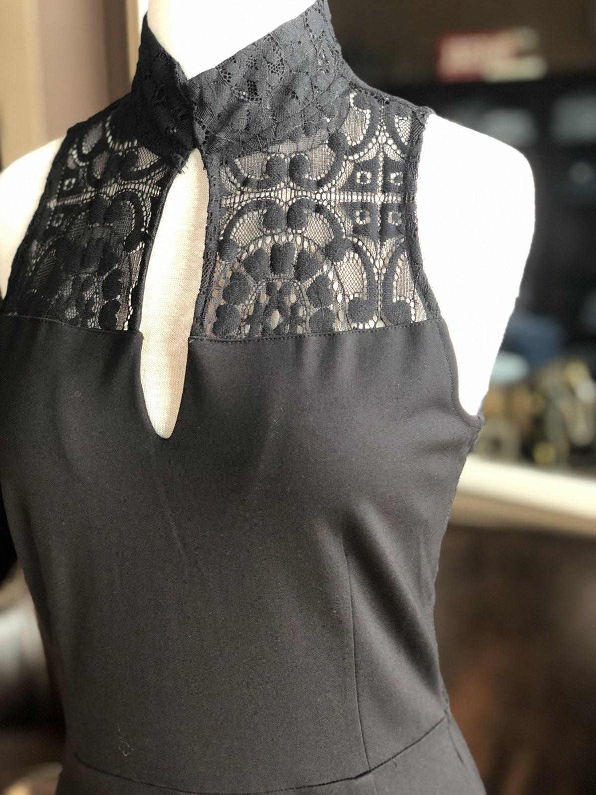BB Dakota lace sheath dress