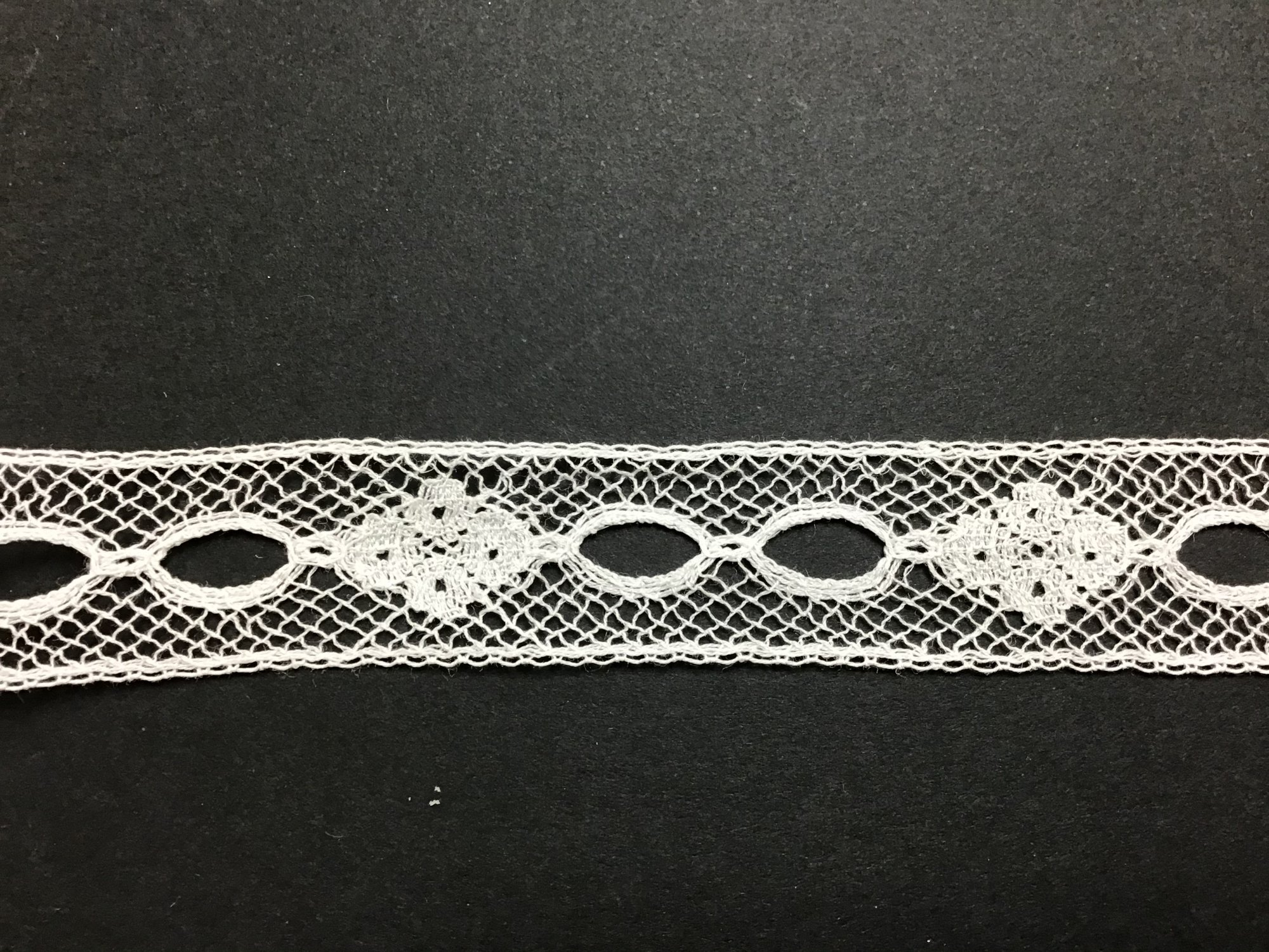French Lace Beading 5/8 Inch Ecru 6218-04