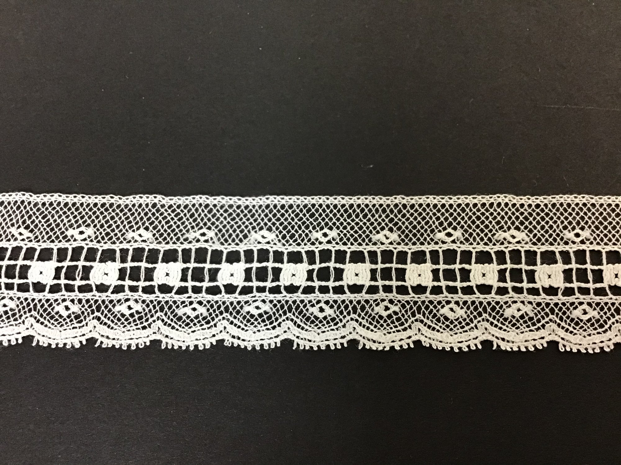 French Maline Lace Edging 1 Inch White 200583-09