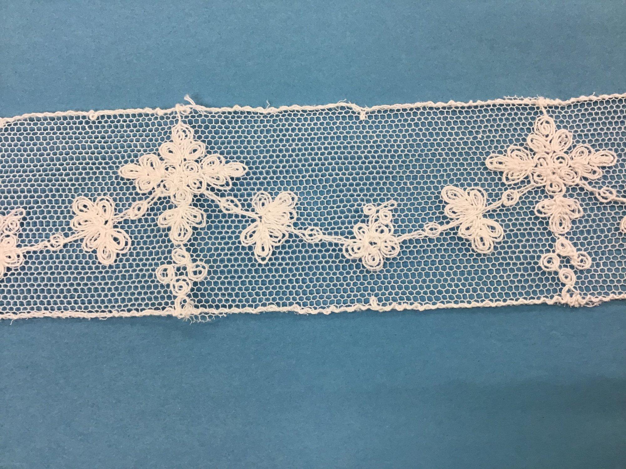 1 7/8  netting insertion soft white crosses 1972