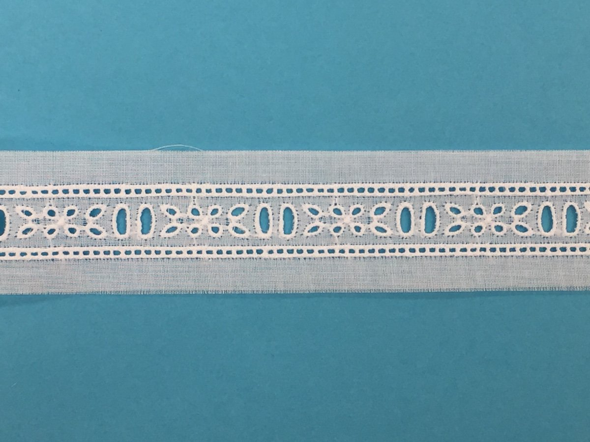 5/8 swiss embroidered beading - white BT769