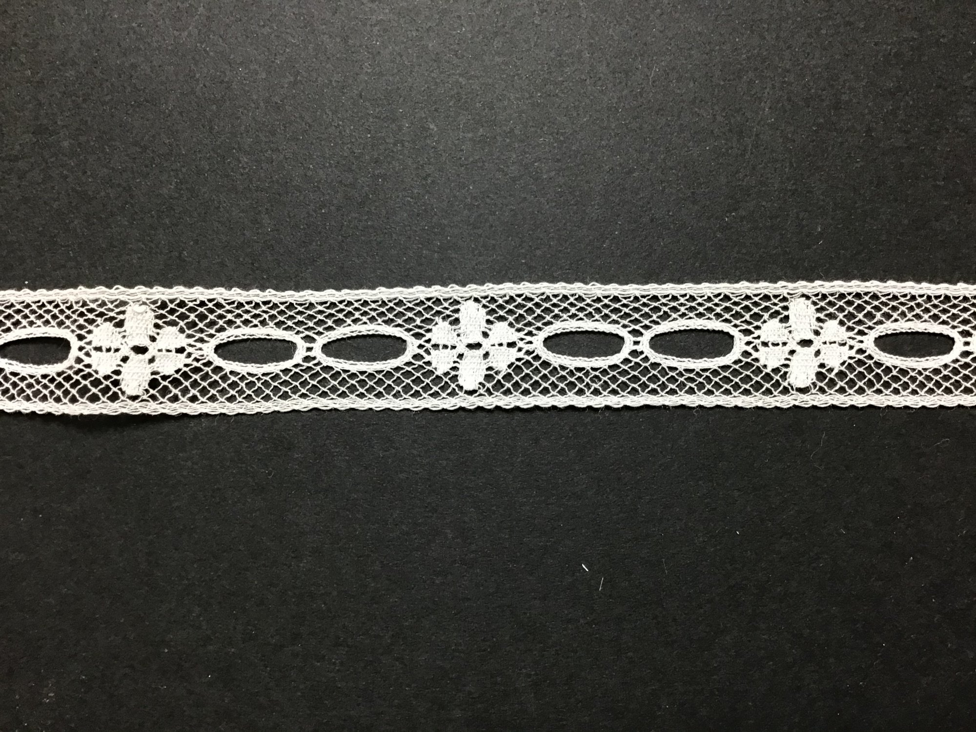 French Lace Beading 3/4 Inch White 15/9000-04