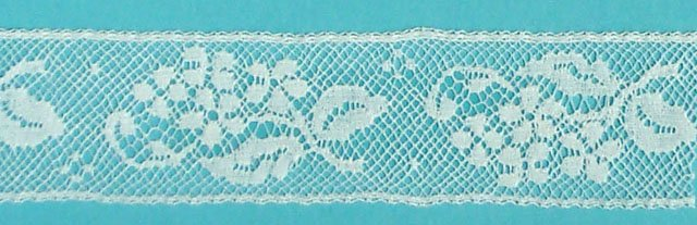 1 lace insertion - white 640