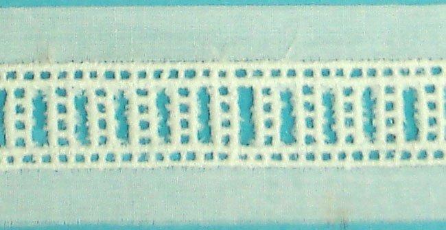 1/2 Beading - White 71124
