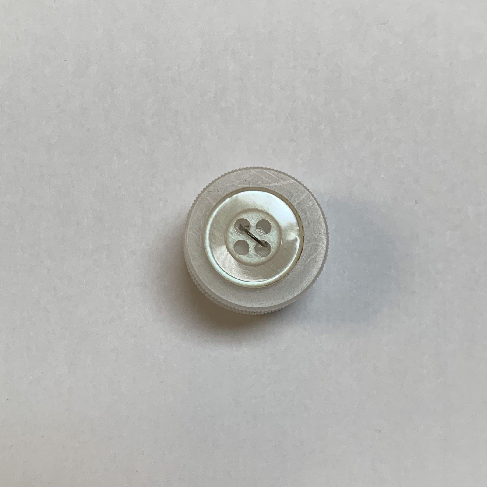 Pearl White Button 5/8 Inch