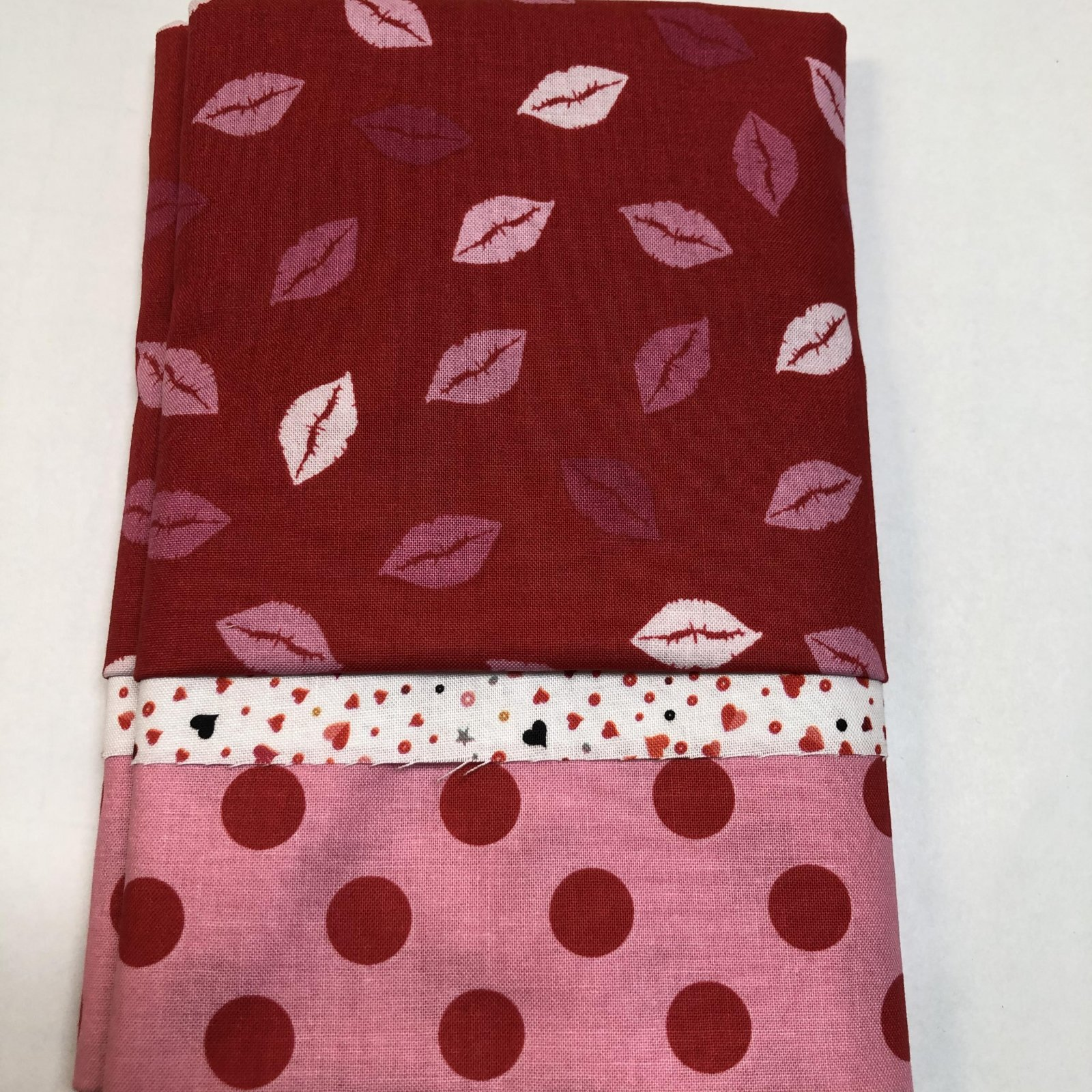 Kiss Kiss Valentine Pillowcase Kit