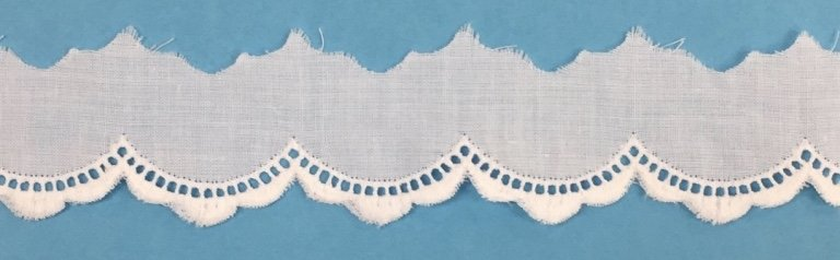 1/2 embroidered edging - white 45848