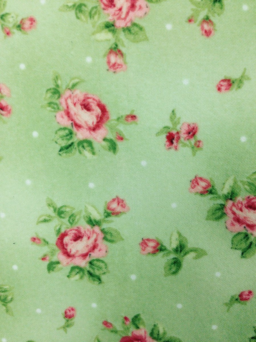 Roses on Green Hemstitched Flannel